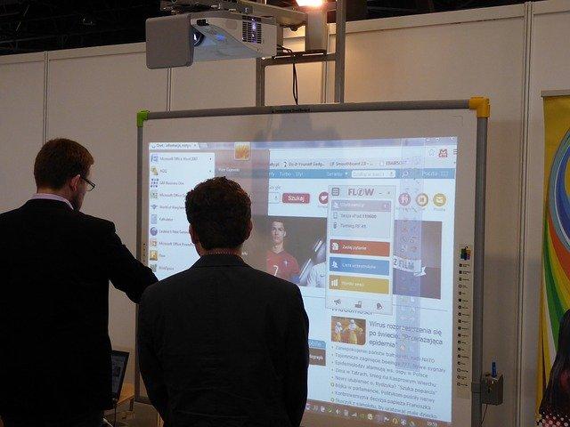 Interaktivní tabule – moderní výuka do škol