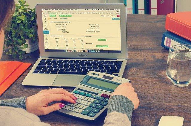 Daně vs. účetnictví. Co musí mít malá firma?
