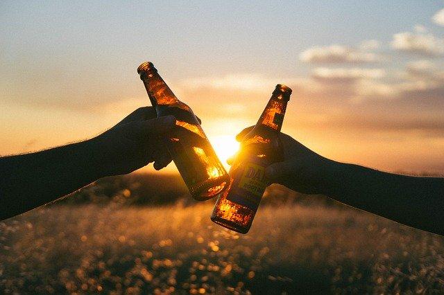 Jsou pivní kola, která vozí pivo v Praze, skutečně prospěšná?